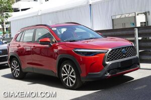 than-xe-toyota-corolla-cross-18v-2021-giaxemoi-com-1